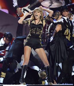 Taylor Swift In concert Brit Awards